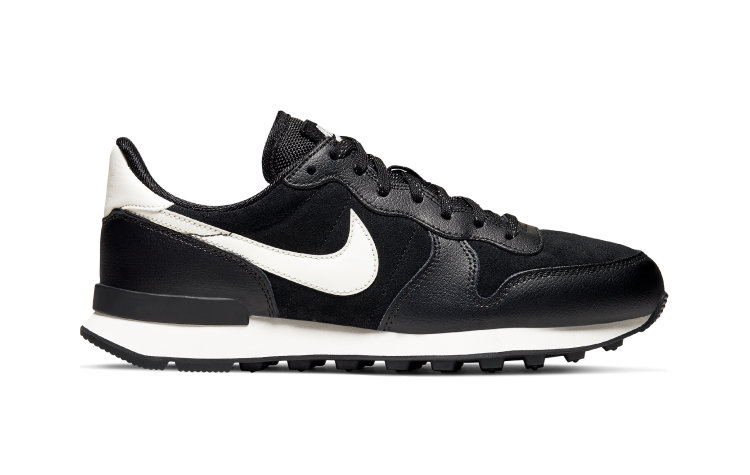 NIKE Wmns Internationalist SE (872922-006)